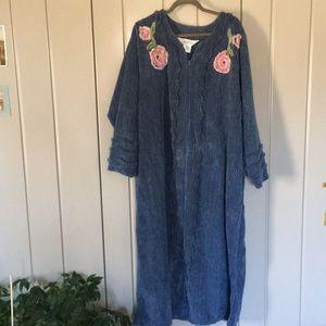Women's VT Country Store Chenille Blossom Robe 2X